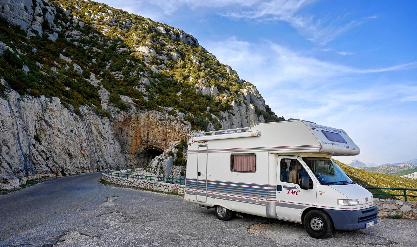 Camping car en montagne à Valloire