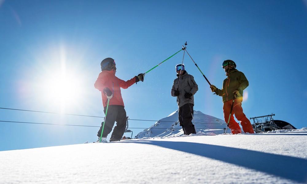 session de ski entre amis sur le domaine skiable de Valloire