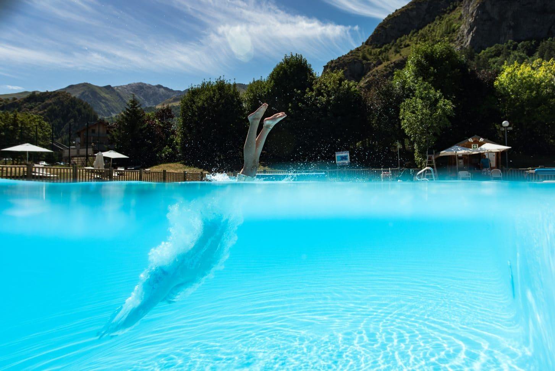 Plongeon dans la piscine de Valloire