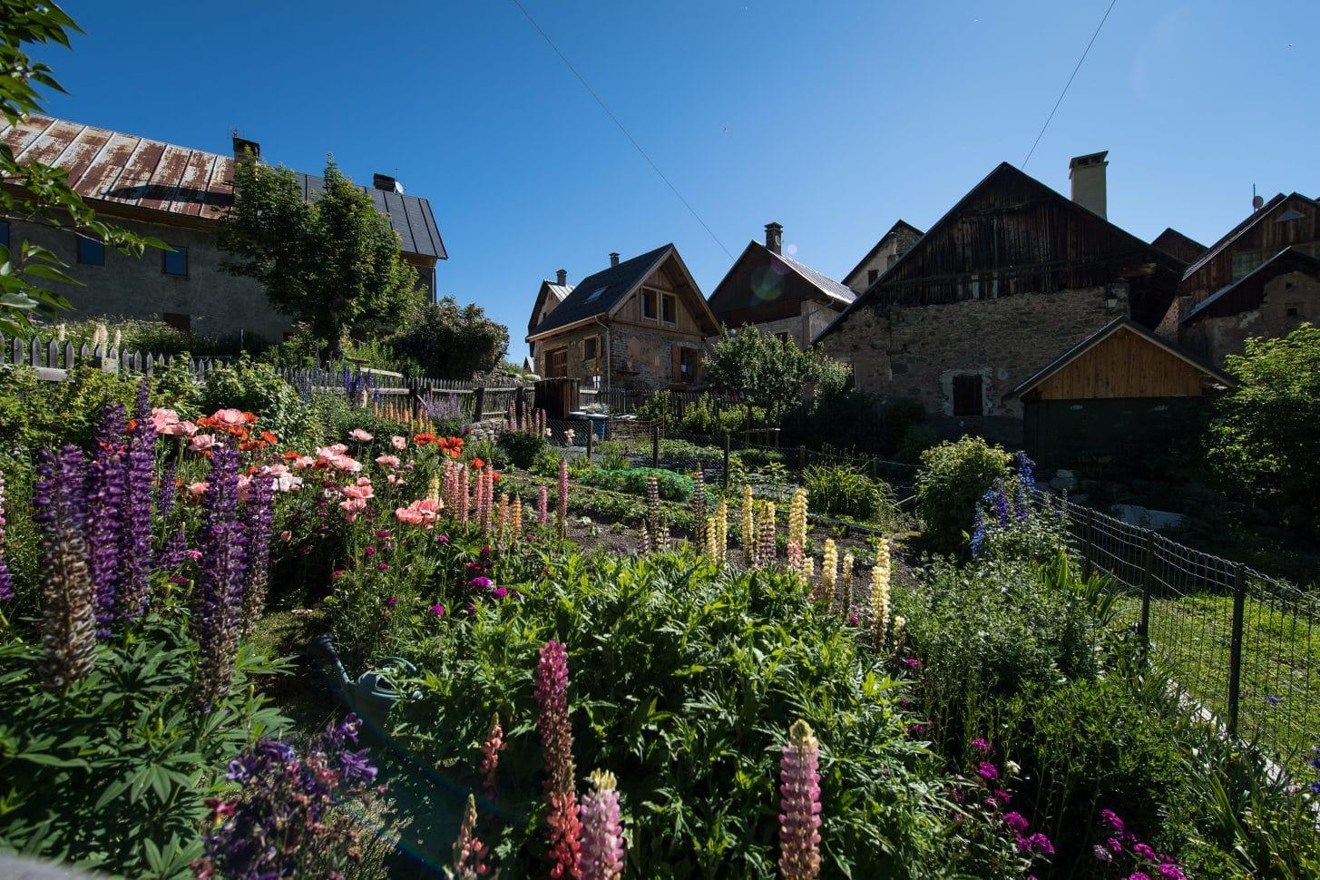 Patrimoine de Valloire, hameau de poingt ravier en été
