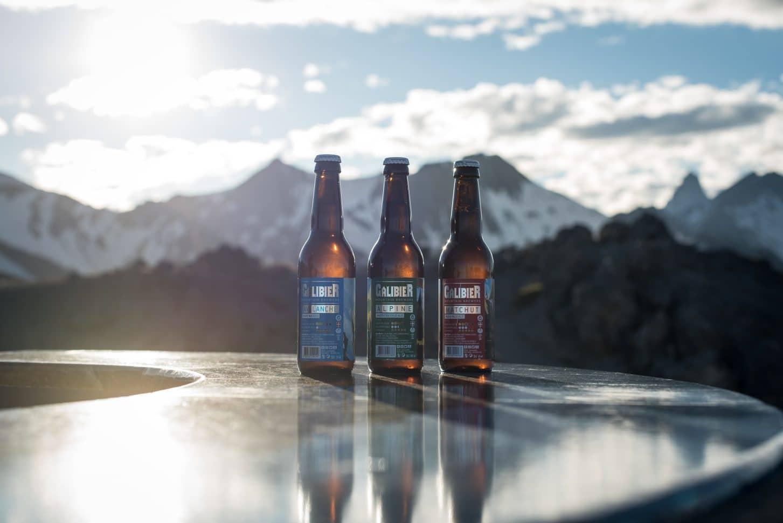 Bière du Galibier avec vue sur la montagne à Valloire